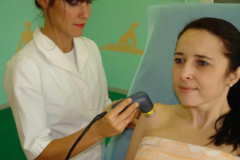Nasmeh na obrazu med terapijo z ultrazvokom